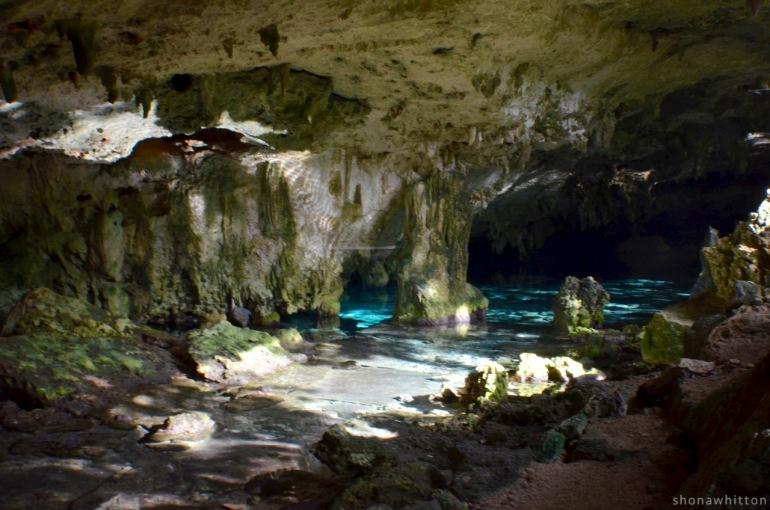 Cenote Dos Ojos.